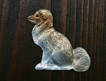 Perro de juguete viejo del árbol de navidad Imagenes de archivo