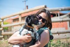 Perro querido y su amigo Fotografía de archivo