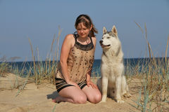 Perro y muchacha Fotos de archivo