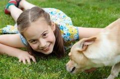 Perro y muchacha Fotografía de archivo libre de regalías