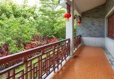 Perron de maison traditionnelle chinoise Photo stock