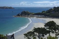Perros-Guirec (Brittany, Frankrike): strand Arkivbild