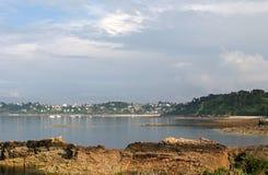 Perros-Guirec ed il litorale dentellare del granito in Bretagne Fotografia Stock