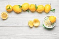 Pers en citroenen stock foto's