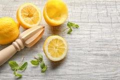 Pers en citroenen royalty-vrije stock foto's