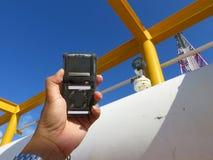 Pers?nlicher H2S-Gas-Detektor, Kontrollgasleck Sicherheitskonzept des Sicherheitssystems stockbild