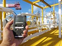 Pers?nlicher H2S-Gas-Detektor, Kontrollgasleck Sicherheitskonzept des Sicherheitssystems lizenzfreies stockbild