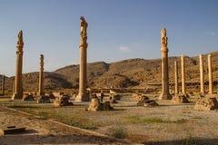 Persepolis est la capitale du royaume d'Achaemenid vue de l'Iran Perse antique Bas-relief sur les murs de vieux b?timents images libres de droits