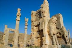 Persepolis is het kapitaal van het Achaemenid-koninkrijk gezicht van Iran Oud Perzi? Bas-hulp op de muren van oude gebouwen royalty-vrije stock foto's