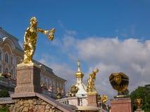 Perseus dodende Kwal Grote Cascadefontein in Peterhof Heilige Petersburg, Rusland Royalty-vrije Stock Foto