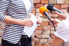 Persgesprek Persconferentie microfoons Royalty-vrije Stock Afbeelding
