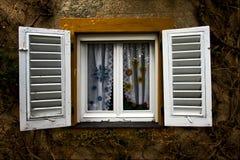 Persianas de madera blancas Foto de archivo libre de regalías