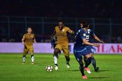 Persib Bandung die Arema FC spelen royalty-vrije stock afbeeldingen
