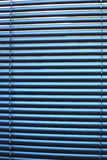 Persienne en aluminium bleu Image libre de droits