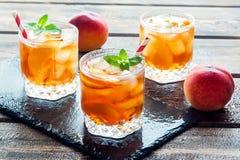 Persikan iced tea Arkivfoto