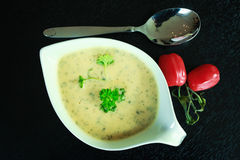 Persil de tomate de soupe à nourriture verte Images stock