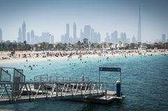 Persiska viken- och Dubai strand, UAE Arkivfoton