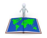 Person, die Buch mit Weltkarte zeigt Stockbild
