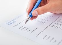 Person, die Formular füllt Lizenzfreies Stockbild