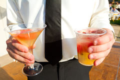 Person Holding Cocktail Image stock