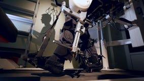 Person im innovativen kybernetischen Exoskeleton 4K stock video footage
