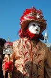 Person im Kostüm am Karneval von Venedig, 2011 Stockbilder