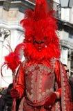 Person im Kostüm am Quadrat der Str.-Markierung, Karneval Stockfotos