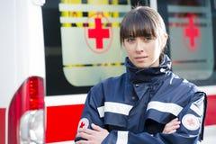person med paramedicinsk utbildning Arkivfoto