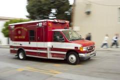 person med paramedicinsk utbildning 5 Arkivfoto
