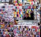 Person Selling Phone Cases Photographie stock