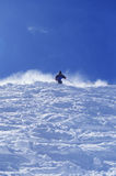 Person Skiing Against Sky Royaltyfri Foto