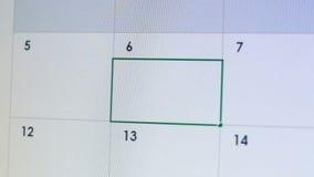 Person som skriver möte i online-kalender-, datum- eller affärstidsbeställningspåminnelse stock video
