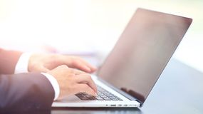 Person Typing on a modern laptop Royalty Free Stock Photos