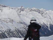 Persona che fotografa il paesaggio di inverno Fotografia Stock Libera da Diritti