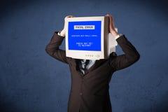 Persona con una pantalla azul de la cabeza del monitor y del error no recuperable en los di Fotografía de archivo