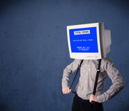 Persona con una pantalla azul de la cabeza del monitor y del error no recuperable en los di Imagen de archivo