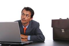Persona corporativa che per mezzo del computer portatile Fotografie Stock Libere da Diritti