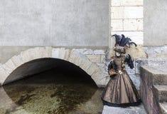 Persona disfrazada - carnaval veneciano 2013 de Annecy Fotografía de archivo libre de regalías