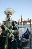 Persona en traje en el carnaval de Venecia Fotos de archivo libres de regalías