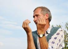 Persona masculina envejecida media imagen de archivo libre de regalías