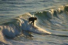 Persona que practica surf 1 Foto de archivo