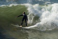 Persona que practica surf 2. Imagen de archivo