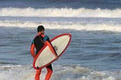 Persona que practica surf 2 Fotos de archivo libres de regalías