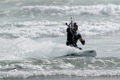 Persona que practica surf 4 de la cometa Imagen de archivo