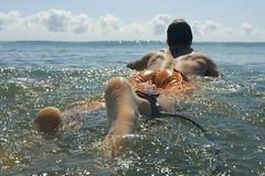 Persona que practica surf brasileña Fotografía de archivo