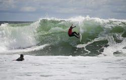 Persona que practica surf de Belmar Imagen de archivo