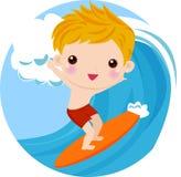 Persona que practica surf del muchacho en la onda Imágenes de archivo libres de regalías