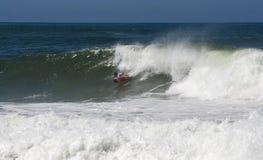 Persona que practica surf durante el Cham abierto nacional de Bodyboard Imagen de archivo
