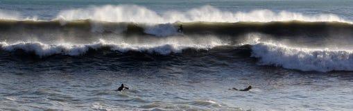 Persona que practica surf en Levanto Foto de archivo libre de regalías