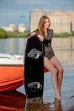Persona que practica surf joven Fotos de archivo